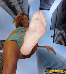 Giantess Mikayla POV by lowerrider