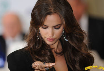 Irina Shayk handheld by lowerrider