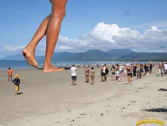 Giantess Naomi Campbell beach-walk by lowerrider