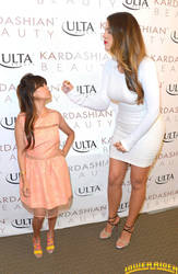 Kourtney and Khloe Kardashian by lowerrider