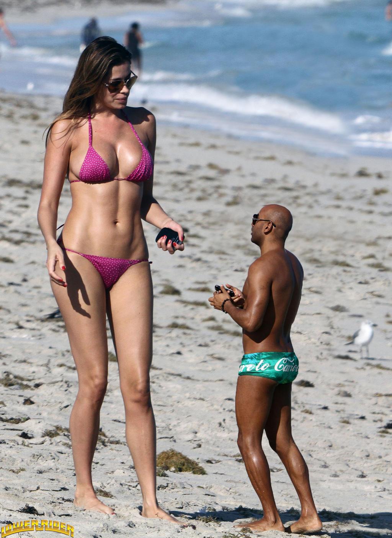 Giant woman in bikini