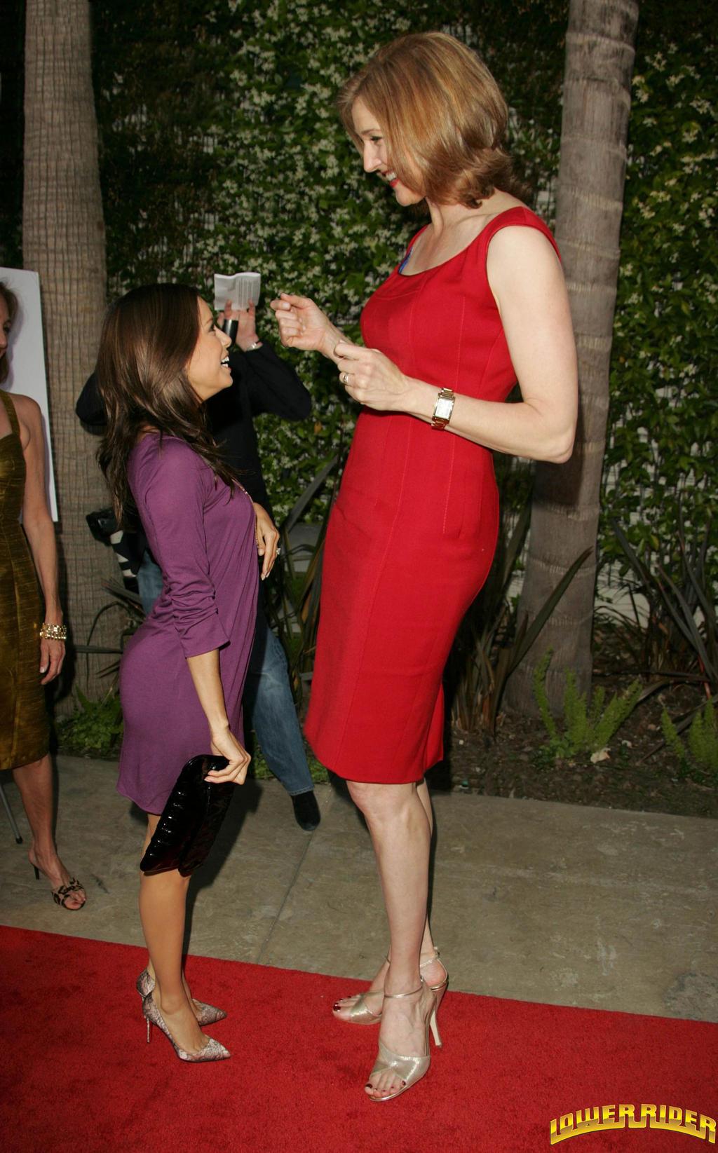 Amazon woman midget nackt gallery