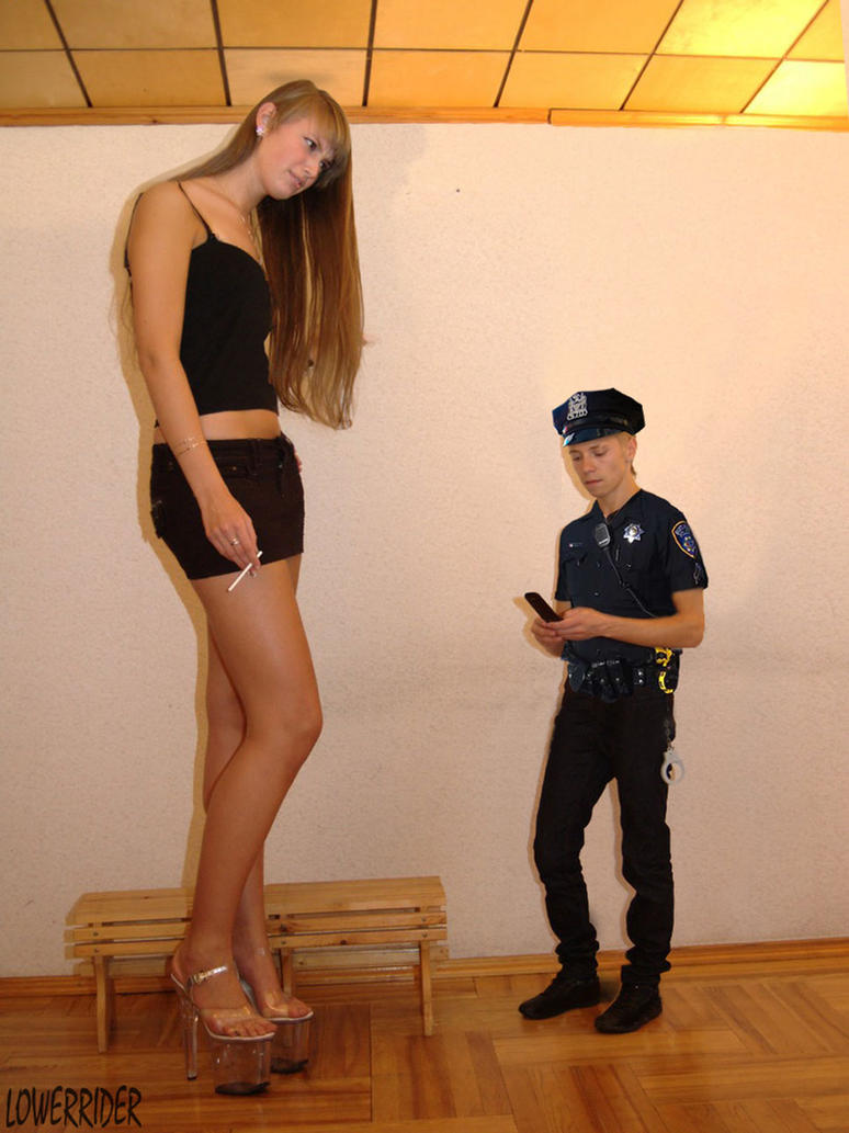Tall girl small man and amateur blonde show 6