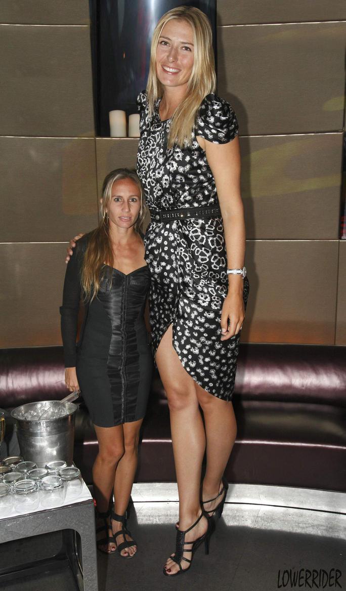 Maria Sharapova compare by lowerrider