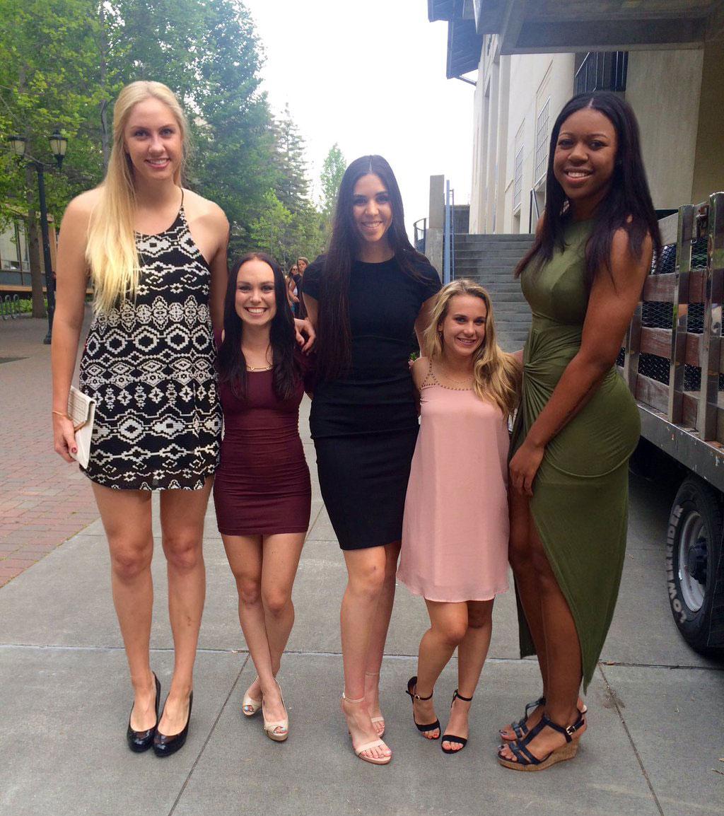 Tall strong cheerleader - 1 3