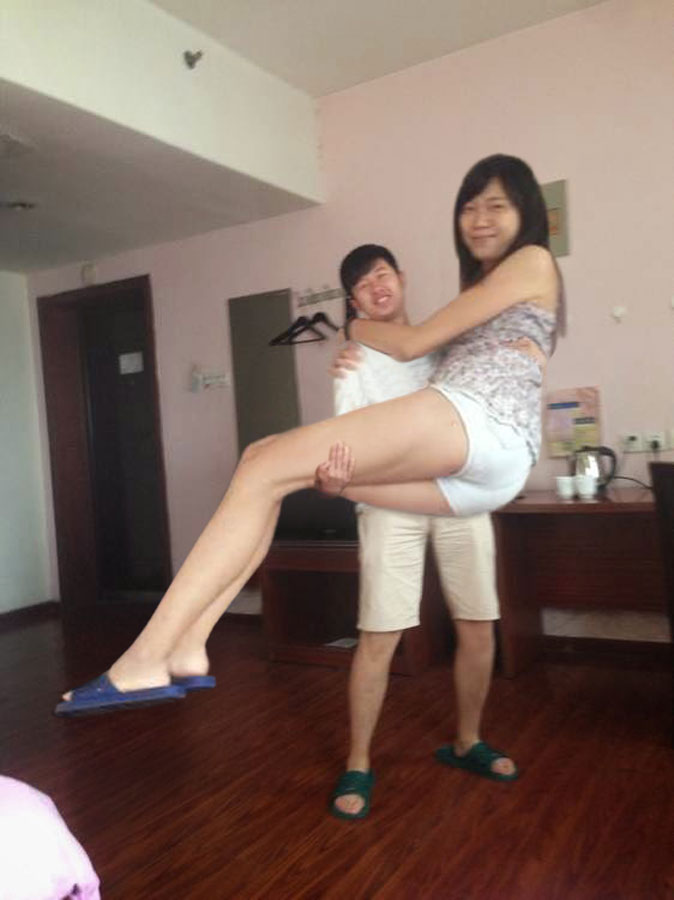 Tall girl carry by lowerrider