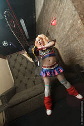 lollipop chainsaw couch