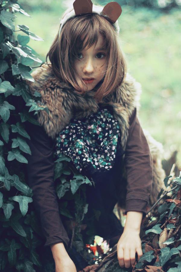 Ours dans un arbre by AlexandraSophie