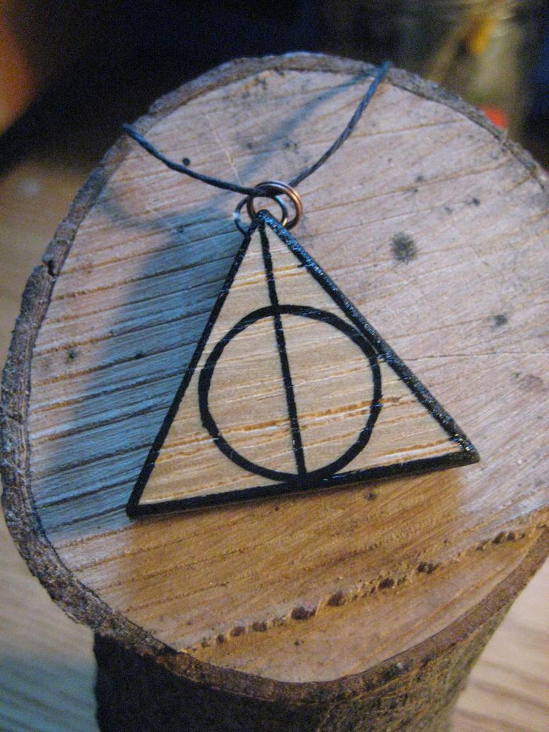 New Deathly Hallows necklace by Kryptoeyez