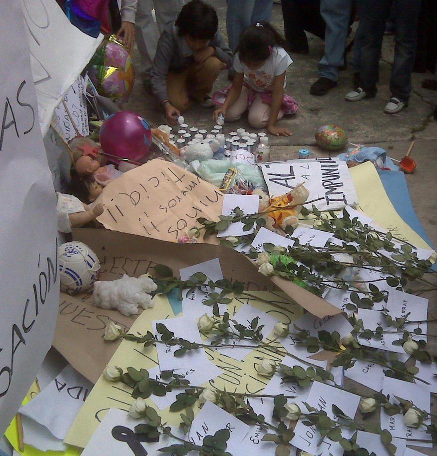 Kids praying for kids by lunacarmin