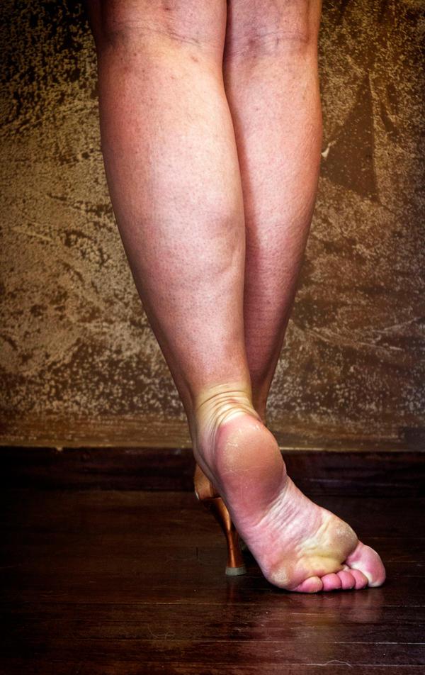 Latin dancer's feet by ambageo