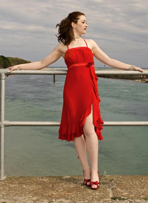 Crveno ... Red_Dress_by_Odette_Roissy