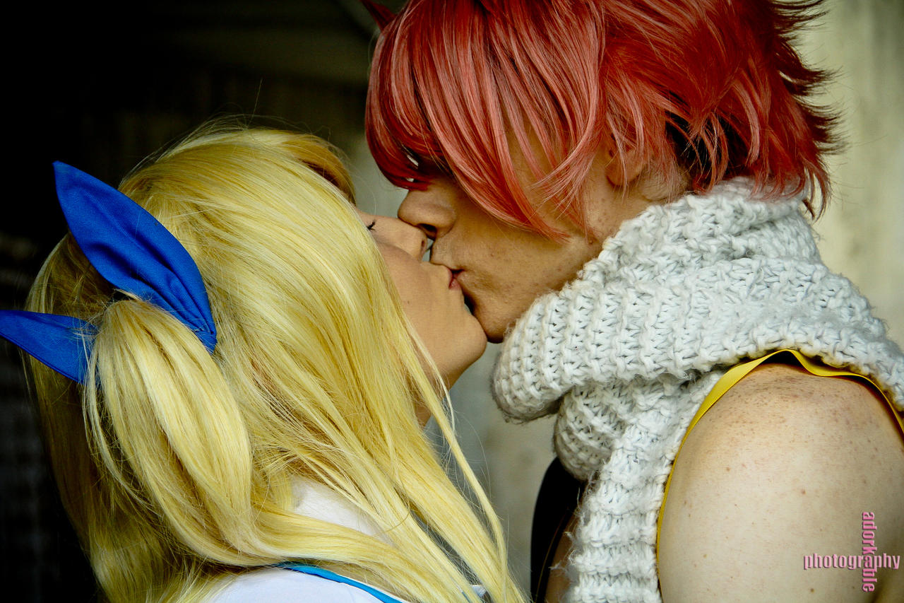 cosplay kiss in sex bed