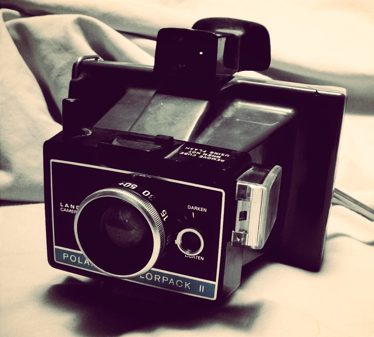 vintage polaroid colorpack ii by amorouxskilodge on deviantart. Black Bedroom Furniture Sets. Home Design Ideas
