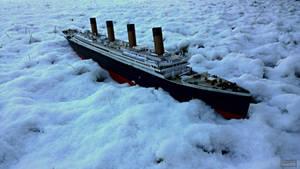 Titanic snow