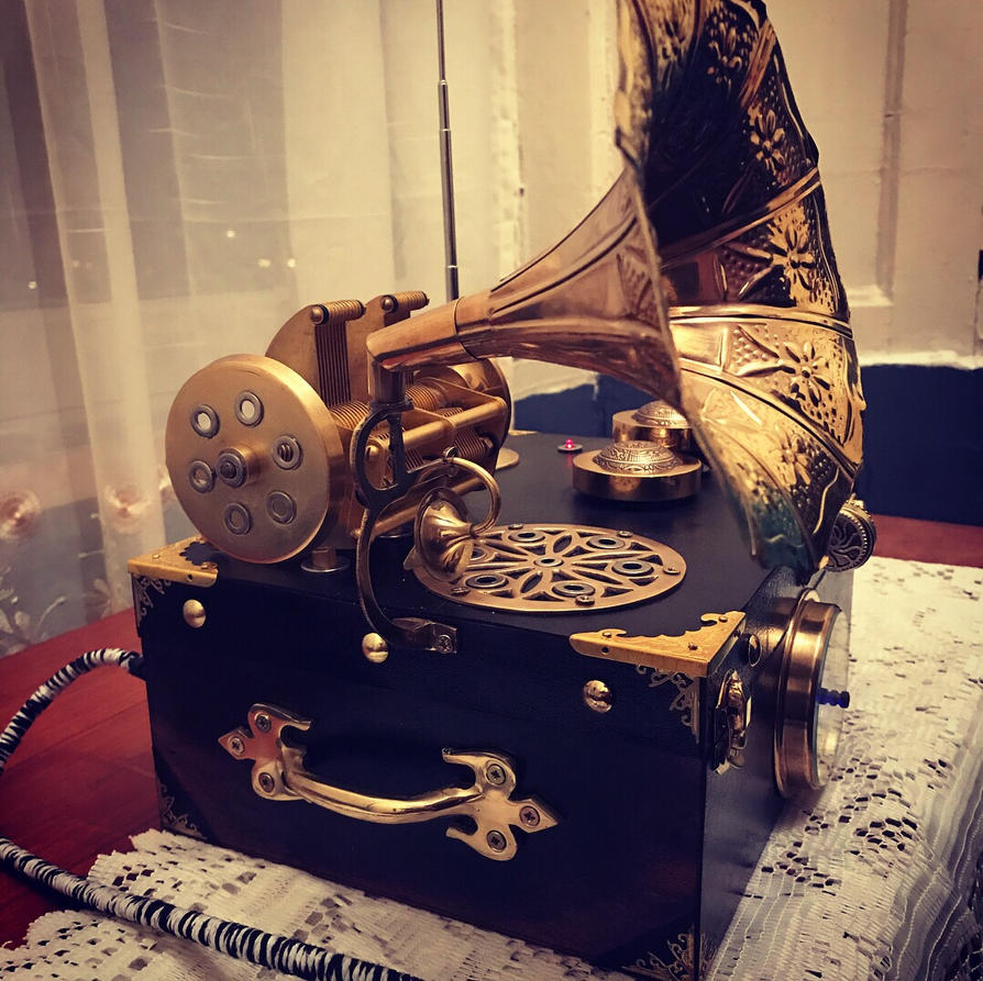 Homemade Steampunk Radio  by ovdiem