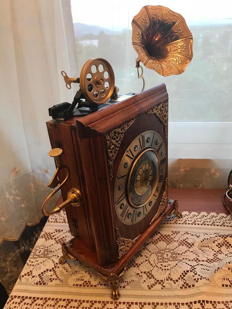Victorian style steampunk clock by ovdiem