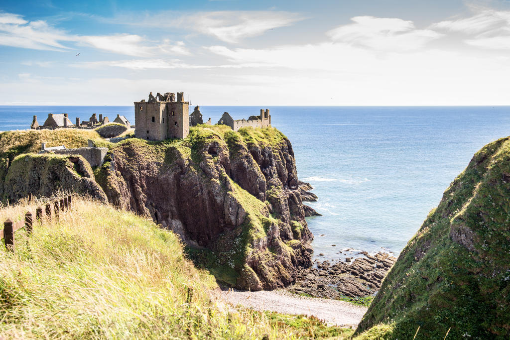 150816B - Dunotters Castle (1 of 60) by Braunaudio