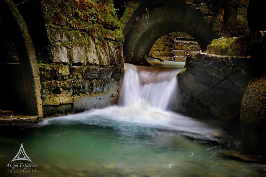 Algunas fotografías en Xilitla Waterfall_by_ngel_sp-d7jia73