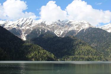 Lake Riza by LomielDarkwood