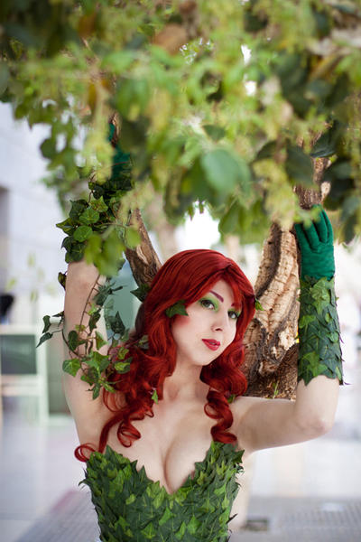 Batman: Poison Ivy II by Naraku-Sippschaft