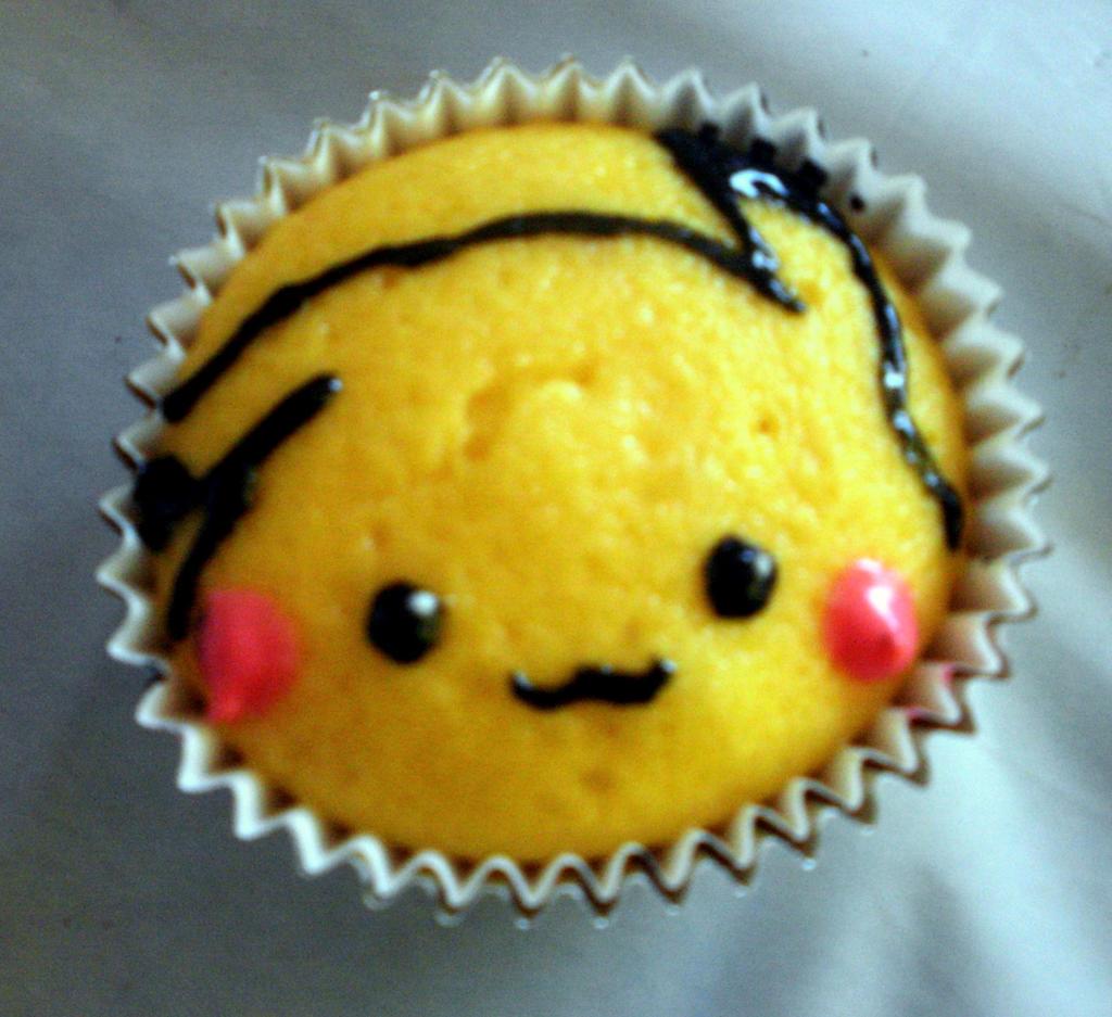 Pikachu Cupcake by kml91225