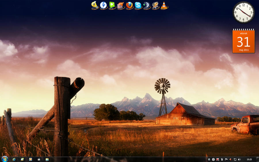 My Desktop 2.0 by radQ
