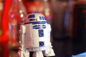 R2-D2 new conquer by Benidino
