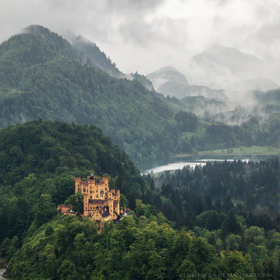 Hohenschwangau Castle by cloe-patra