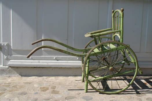 Chaise roulante verte