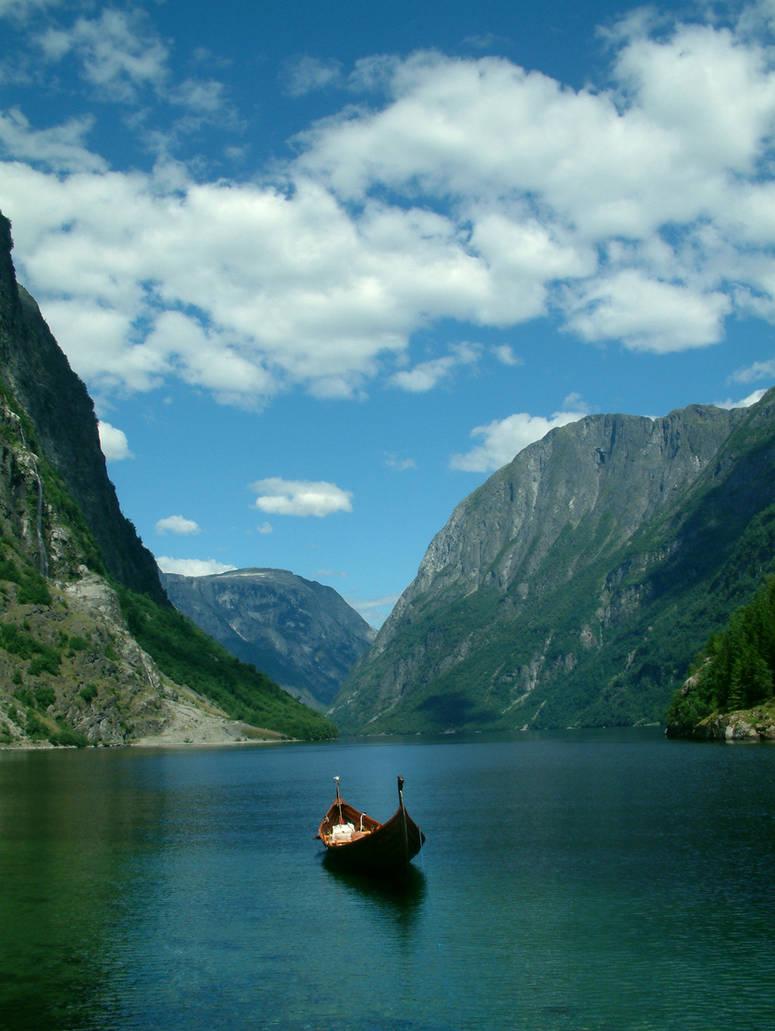 Роскошные пейзажи Норвегии - Страница 7 Norway_mountains_by_mcvaio_d13c3ih-pre.jpg?token=eyJ0eXAiOiJKV1QiLCJhbGciOiJIUzI1NiJ9.eyJzdWIiOiJ1cm46YXBwOjdlMGQxODg5ODIyNjQzNzNhNWYwZDQxNWVhMGQyNmUwIiwiaXNzIjoidXJuOmFwcDo3ZTBkMTg4OTgyMjY0MzczYTVmMGQ0MTVlYTBkMjZlMCIsIm9iaiI6W1t7ImhlaWdodCI6Ijw9MTA2NSIsInBhdGgiOiJcL2ZcLzFiNzBjM2ExLTY2NzMtNGViYy05MThlLTEyOTgyNDViYzVlMFwvZDEzYzNpaC1hZTMwMzQyNC0wNDkyLTRlM2MtYTQ2MS01NjAyZWYyM2I3NDguanBnIiwid2lkdGgiOiI8PTgwMCJ9XV0sImF1ZCI6WyJ1cm46c2VydmljZTppbWFnZS5vcGVyYXRpb25zIl19
