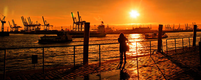 December afternoon at Hamburg Harbour