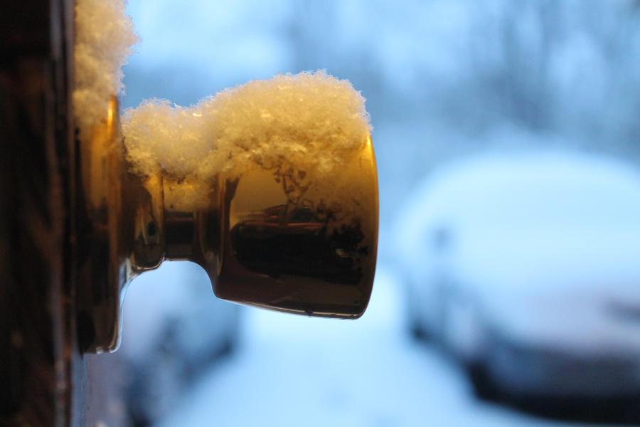 Frosty Knob by TrilogyDesigns