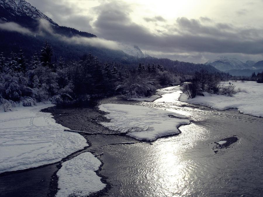 The winter begins... by mandarinchenx