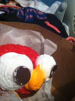 Elmo Cupcake 2