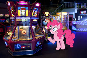 Pinkie in the Arcade!