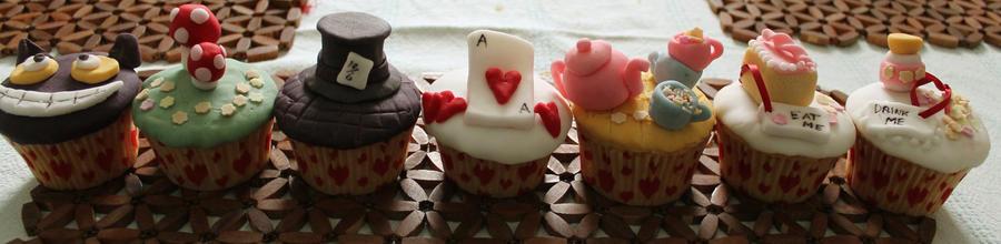 Alice in Wonderland Cakes!01 by ErushiInsento