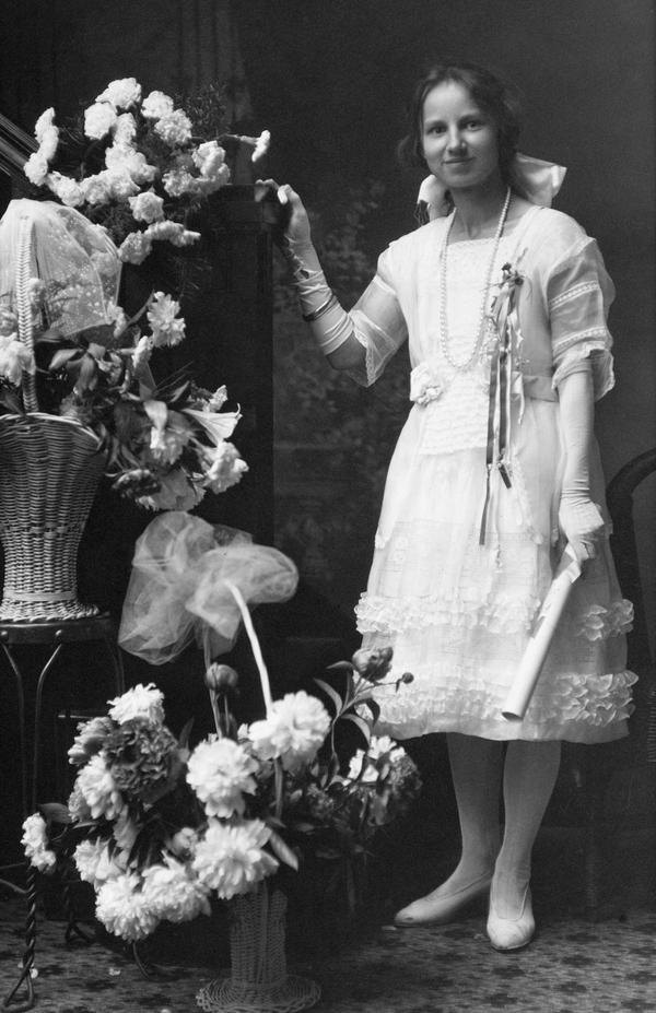 flowergirl by sofi01
