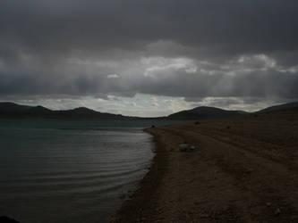Lago de Alocen by ArTestor