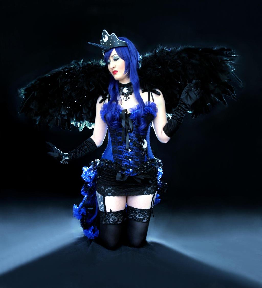 Princess Luna Burlesque by Kana-Mitsu