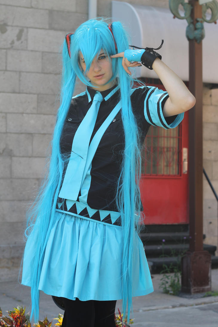 Hatsune Miku Love is war by KyuProduction