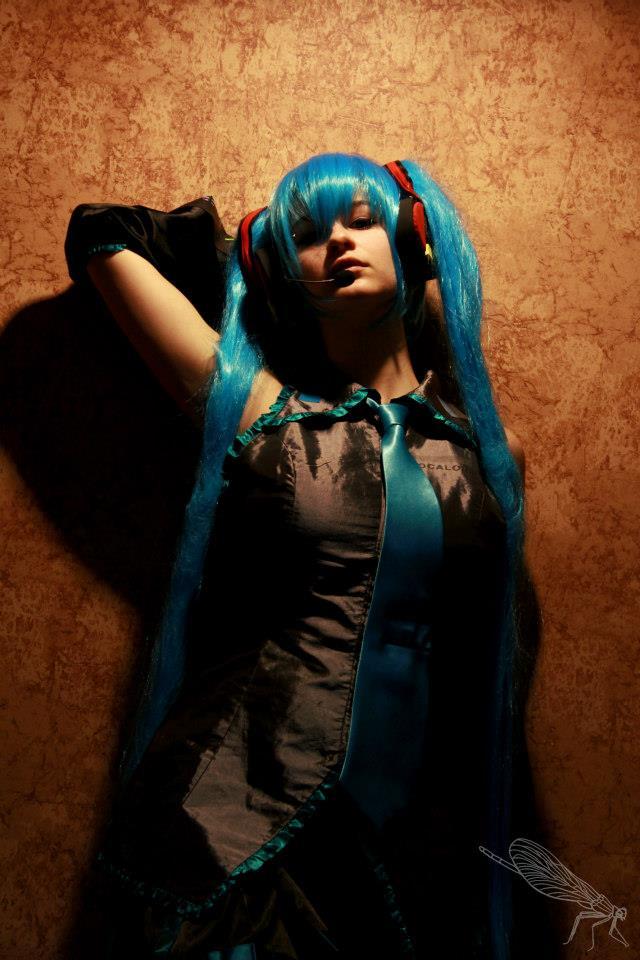 Dark Miku by KyuProduction