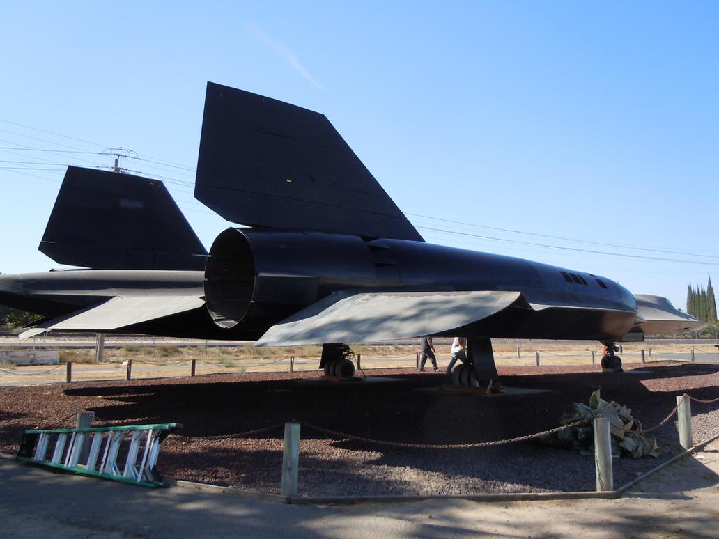 SR-71 Blackbird by LuisCayetano
