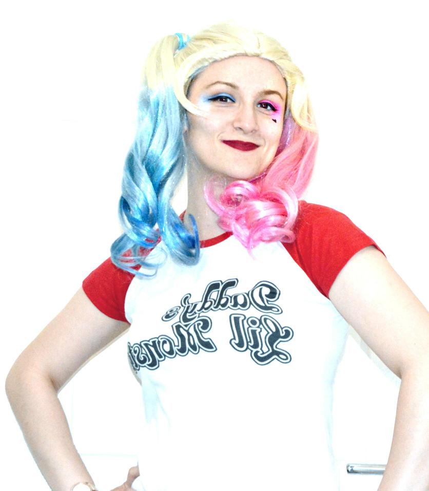 Harley Quinn Cosplay by nerdsharpie