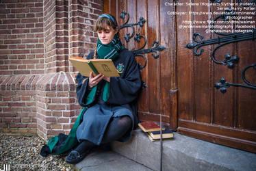 [Cosplay - Harry Potter] A reading Slytherin by mene