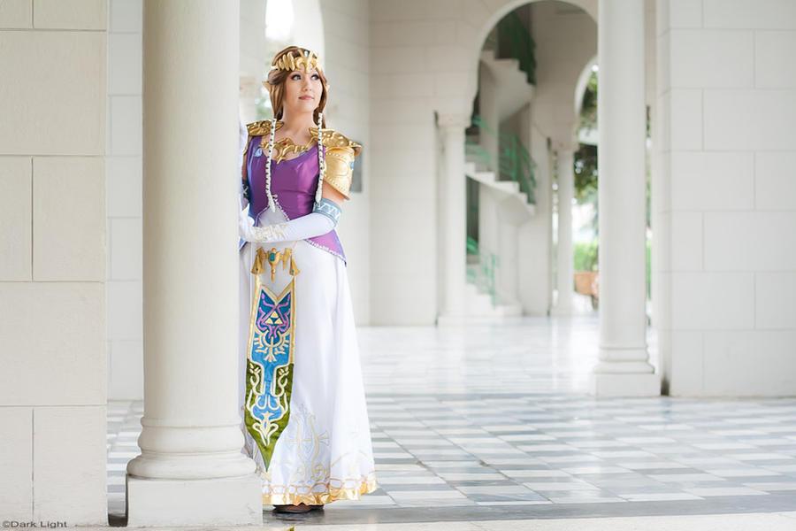 Princess Zelda Cosplay 2 - TLOZ Twilight Princess by SusanEscalante