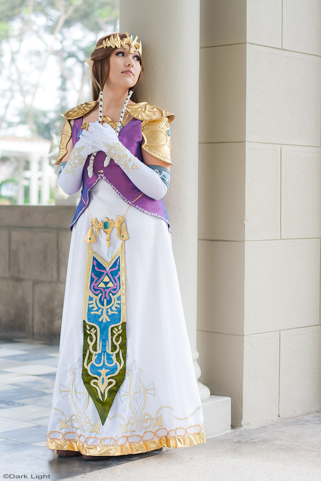 Princess Zelda Cosplay 6 - TLOZ Twilight Princess by SusanEscalante