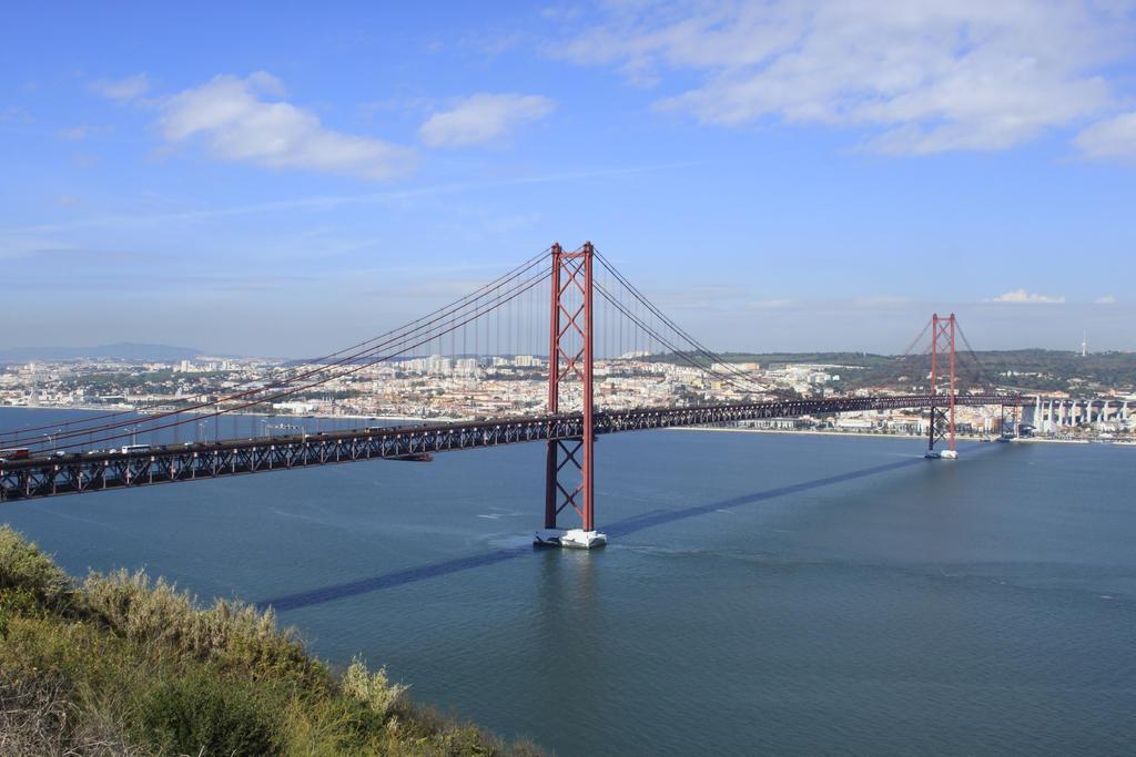 Ponte de 25 Abril - Lisbon by BLAxBLA
