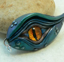 Dragon's Eye Pendant...BLUE