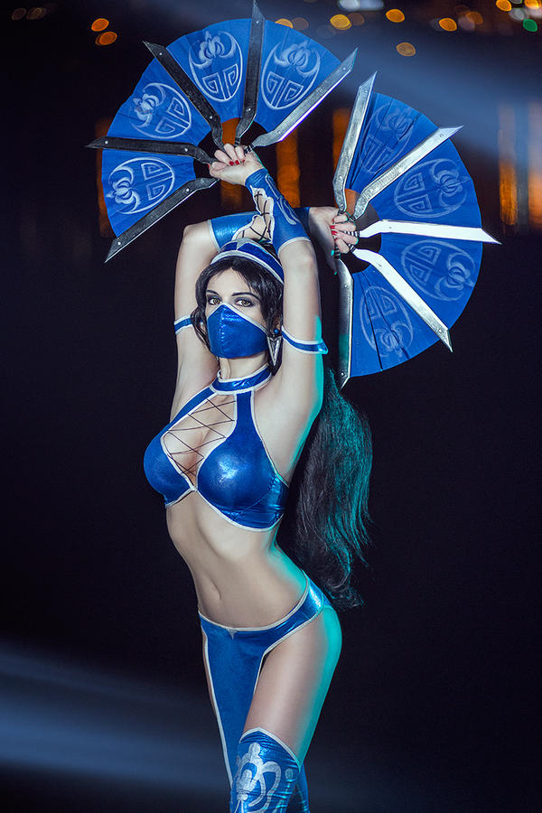 Kitana Mortal Kombat IX Game Sexy Cosplay by AGflower